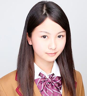 オーディション当時の佐々木琴子。眉毛は明らかに手を加えられたような作り眉。清楚というよりは、少しギャルっぽい印象になってしまっている。