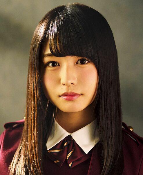 けやき坂46と欅坂46を兼任する長濱ねる。高校生クイズの長崎県大会で決勝に進むなど勉強はできるが、それを感じさせない天然キャラのギャップで人気を博す。
